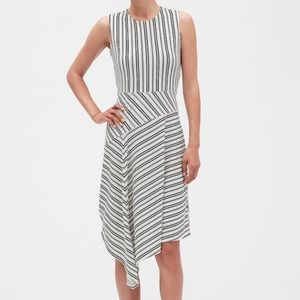 NWT BANANA REPUBLIC ASYMMETRICAL STRIPED DRESS